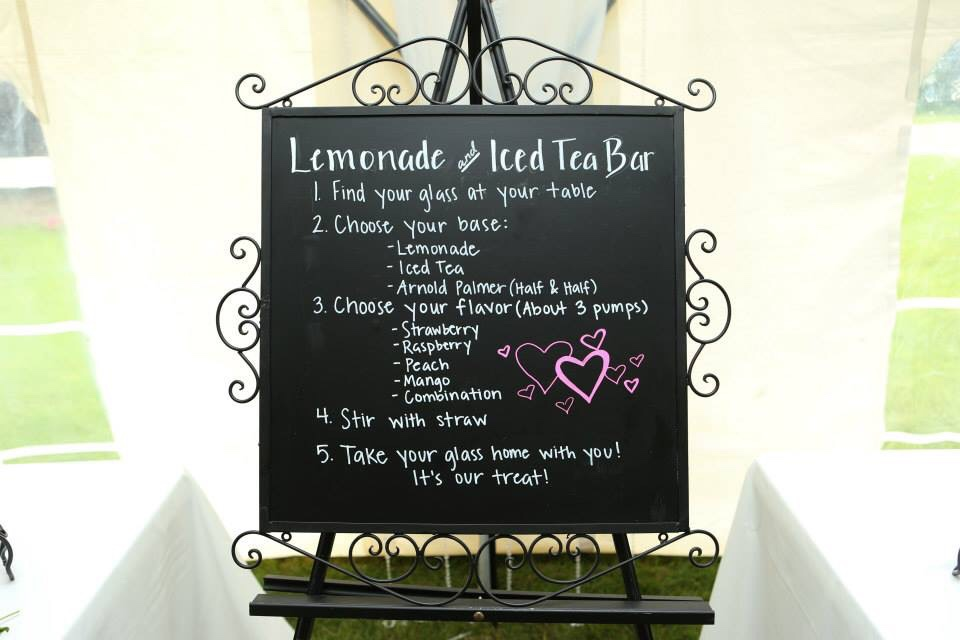 Flavored Iced Tea and Lemonade Bar for a summer wedding